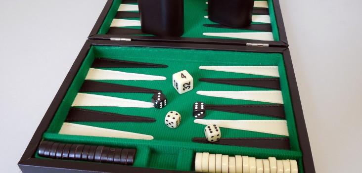 Backgammon-Spiele-fuer-dem-Alltag